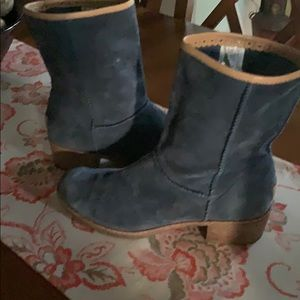 UGG Blue Pull on Boots, Size 8